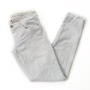 American Eagle • White Skinny Jeans
